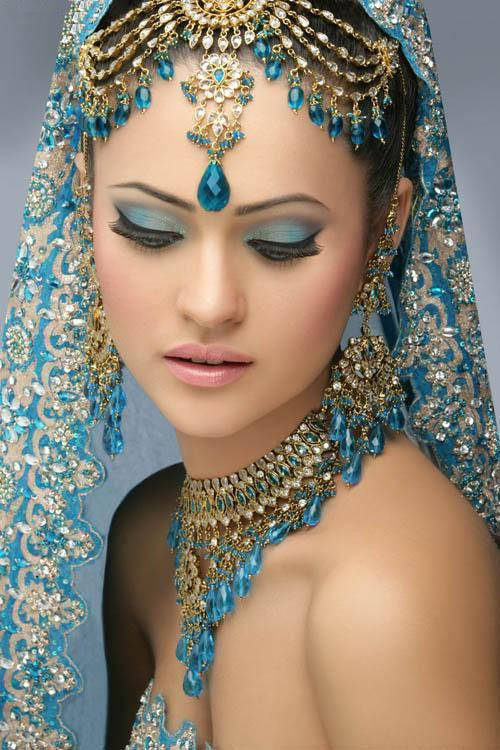 indian-bridal-with-makeup-and-heavy-jewelry-91.jpg (500×750)